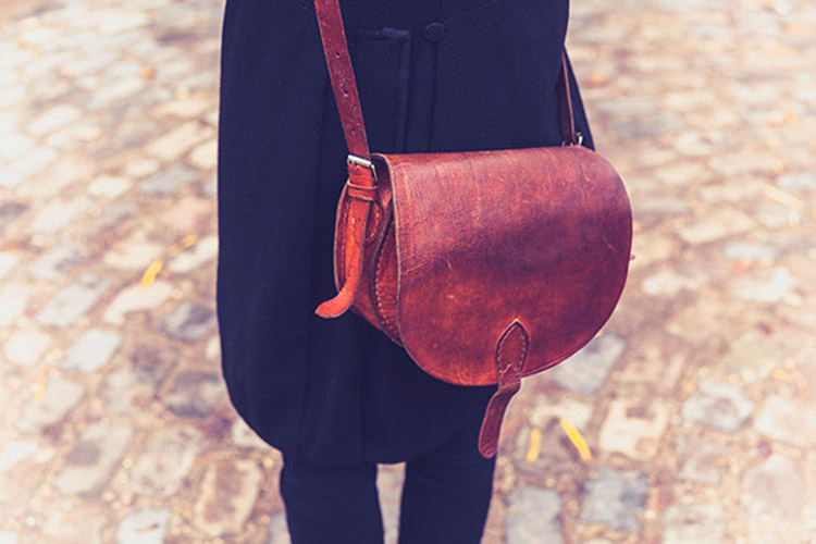 crossbody-messenger-bag