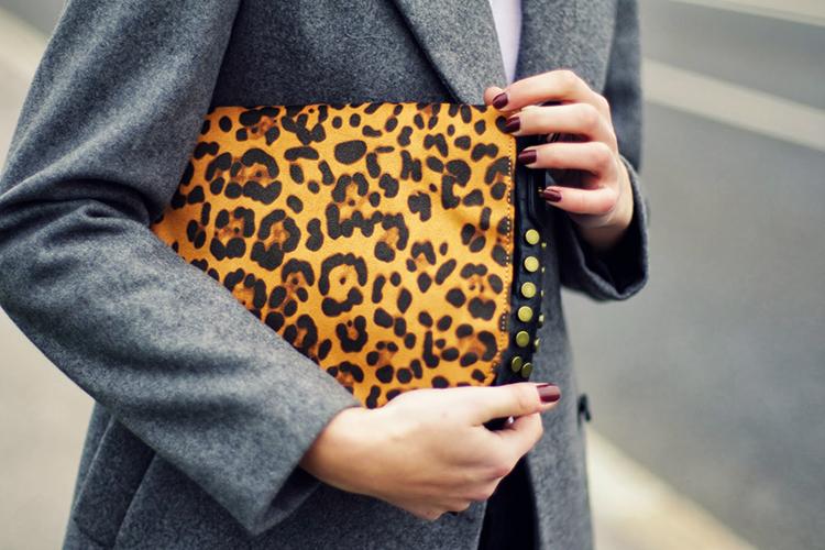 Προτιμήστε τσάντες με animal prints για τον φετινό χειμώνα!