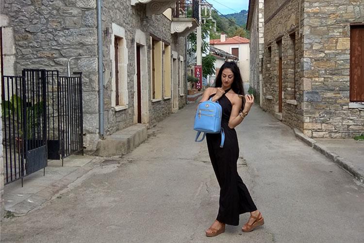 ΤΣΑΝΤΕΣ 4BAG GREEK HANDMADE ΦΩΤΟΓΡΑΦΙΖΟΝΤΑΙ ΣΤΗ ΜΗΛΙΝΑ