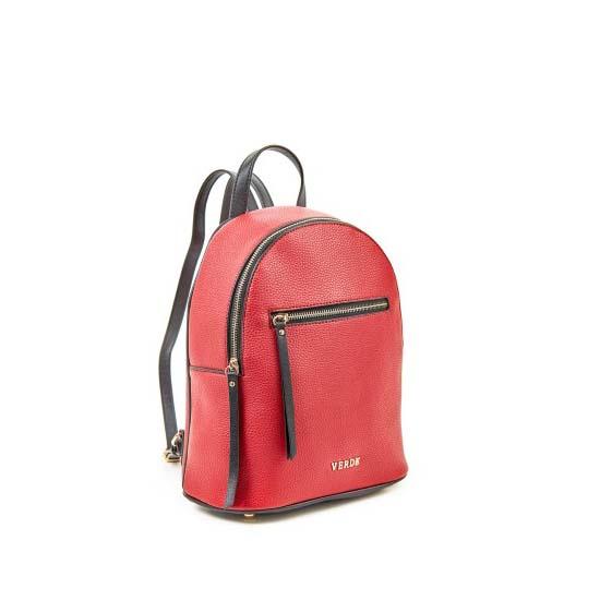 red backpack verde