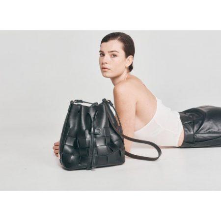 pouch-bag-black-ea